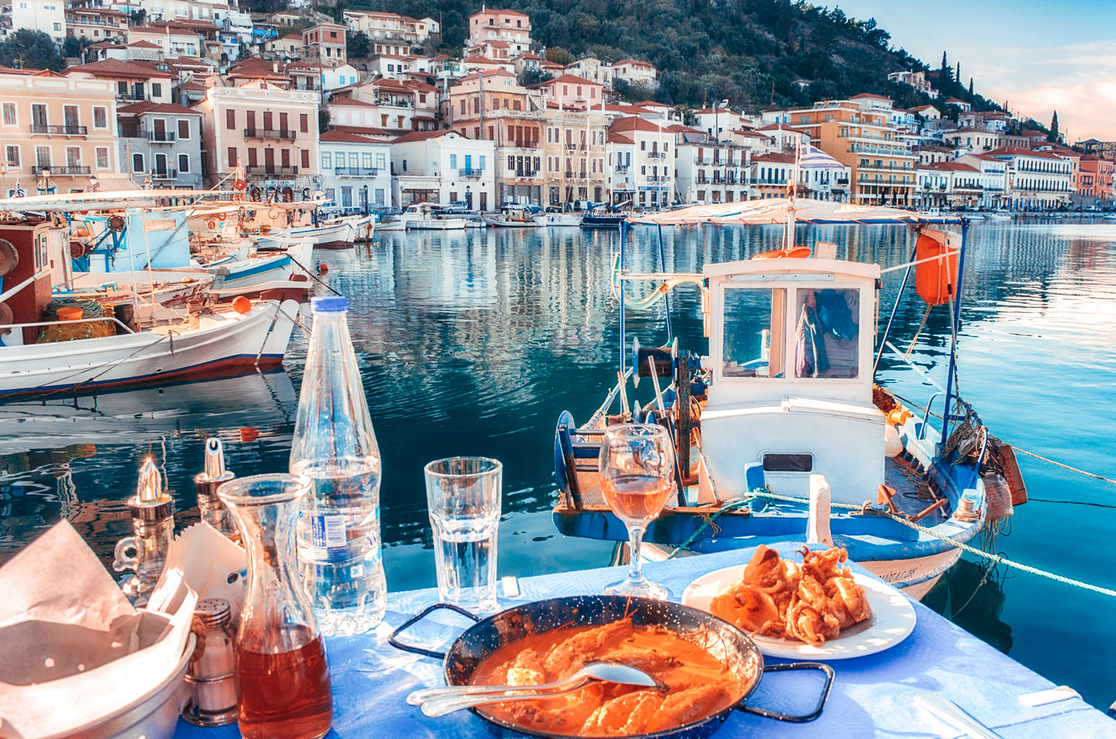 Sea food with a Greek view